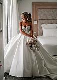 Amazing Tulle & Satin Sweetheart Neckline Ball Gown Wedding Dresses With Beaded Lace Appliques
