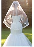 Glamorous Tulle Wedding Veil With Lace Appliques & Comb