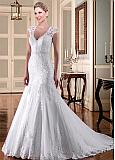 Alluring Tulle V-neck Neckline Mermaid Wedding Dresses With Beadings & Lace Applqiques